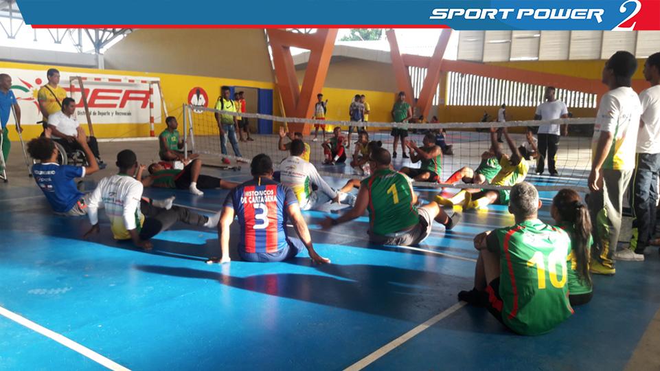 Los diferentes tipos de discapacidad unidos en un solo deporte Voleibol Sentado (4)