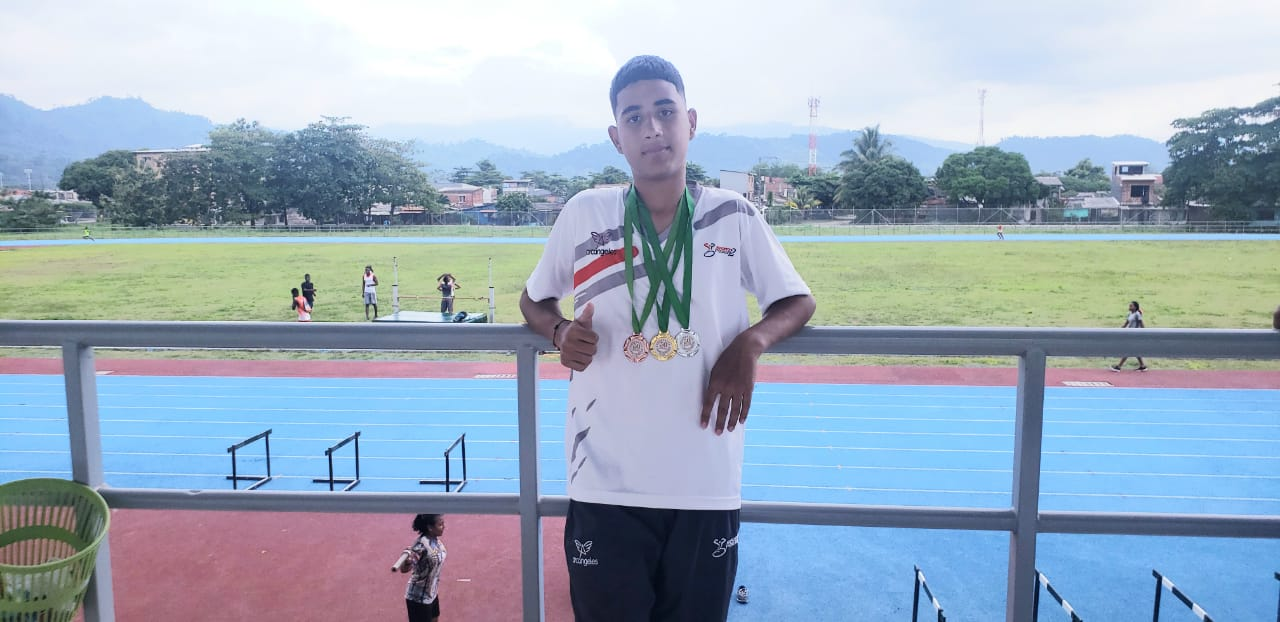 Jovenes SportPower2 en Juegos Superate Intercolegiados